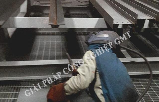 Gia công xử lý bề mặt kim loại